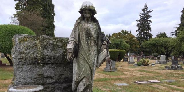 DS AO cemetery